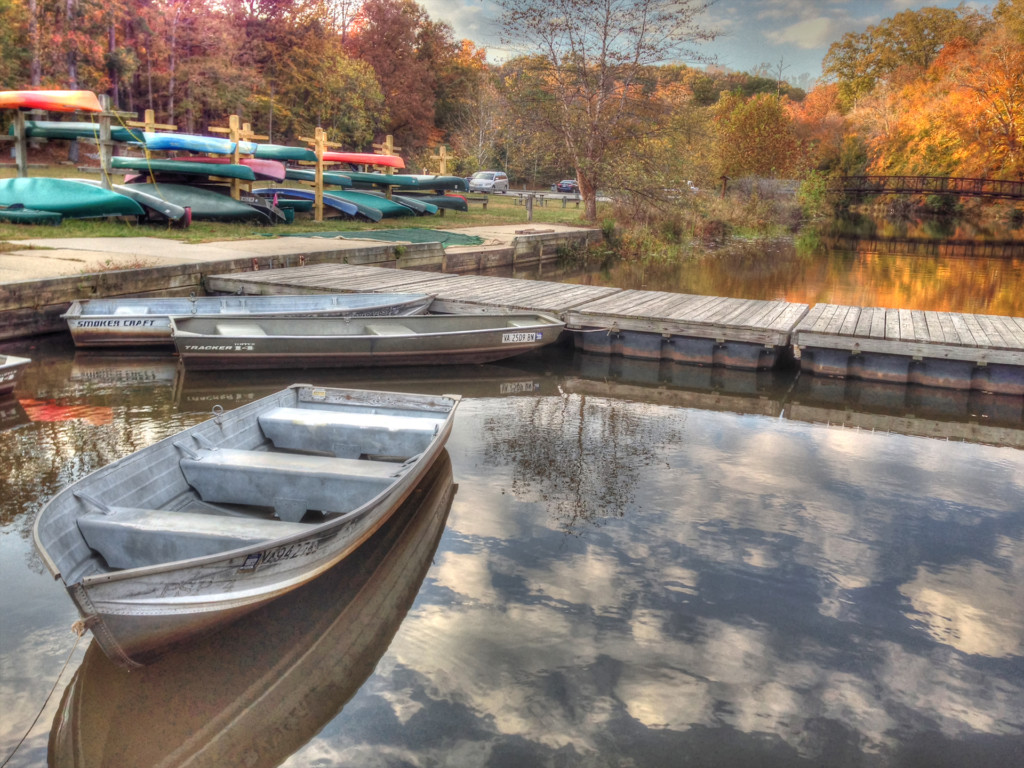 boats-on-swift-creek-lake